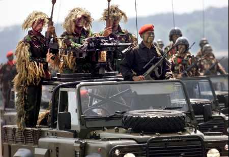 kopassus-roverparade.jpg